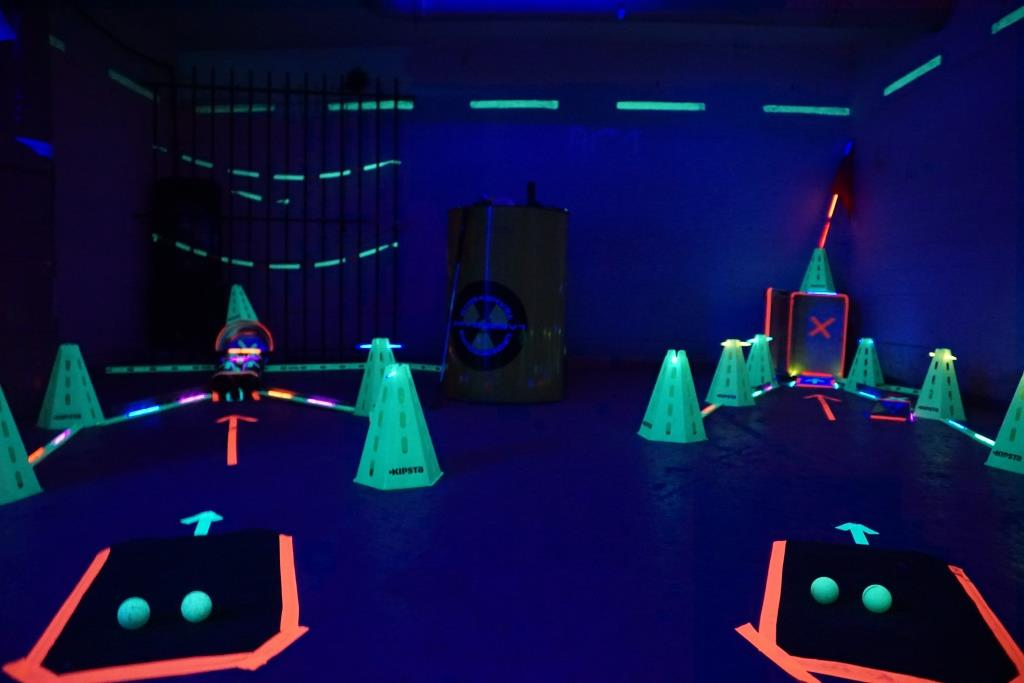 Bunker Teamevent Schwarzlichtgolf 02