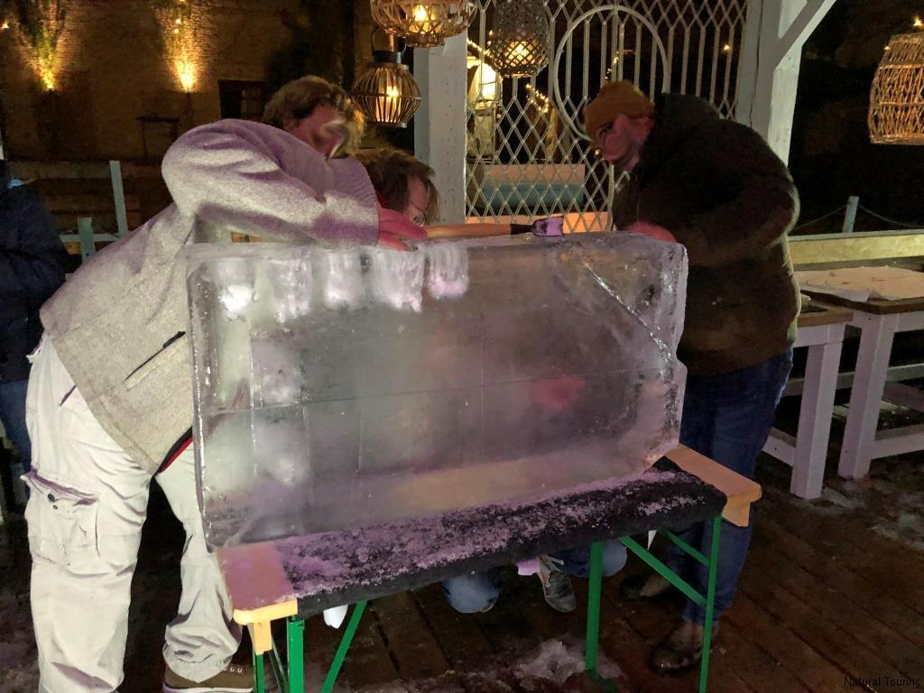 Eisschnitzen-Teamevent-Berlin-Weihnachtsfeier-Icecarving-10