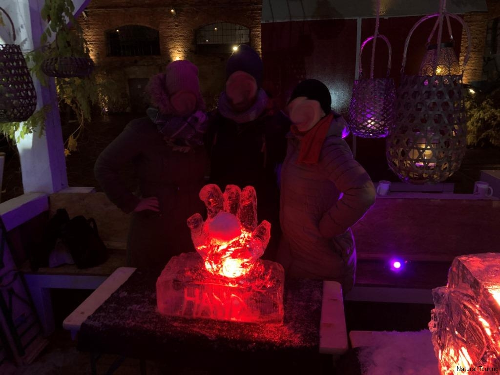 Eisschnitzen-Teamevent-Berlin-Weihnachtsfeier-Icecarving-17