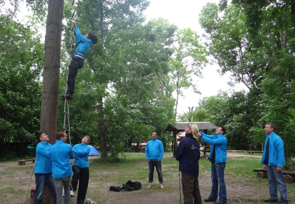survival-bushcrafting-ueberlebenstraining-teamevent-betriebsausflug-17