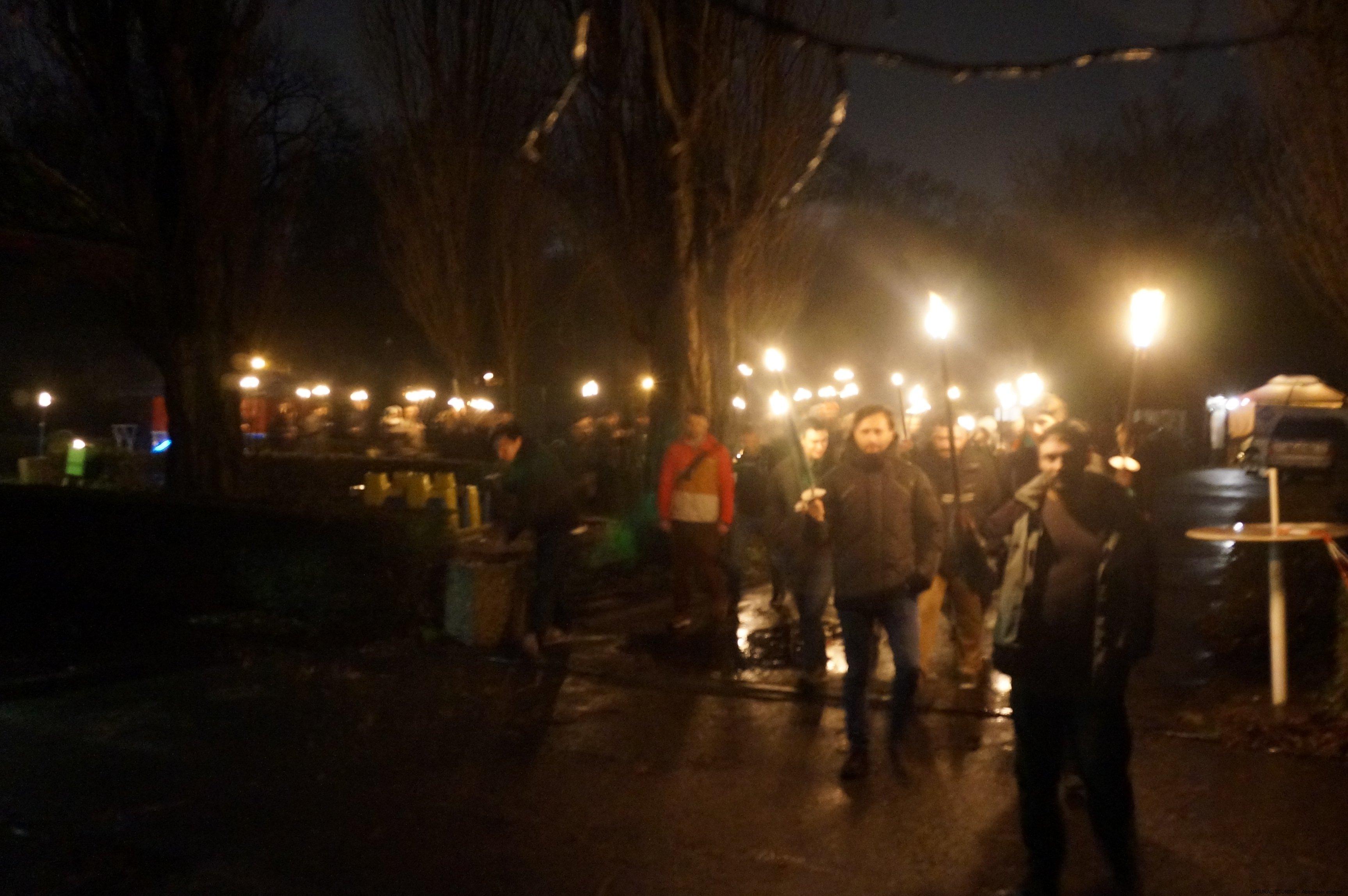 Weihnachtsfeier Berlin mit Fackelwanderung