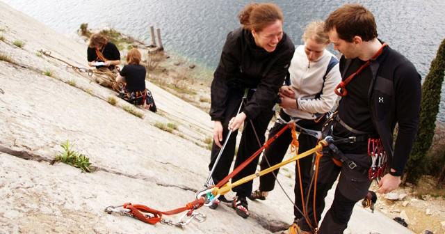 Kletterkurs Mehrseillängen Standplatzbau Berlin