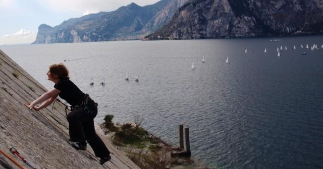 Klettern und Klettersteig Gardasee Arco Italien Boulden Slackline